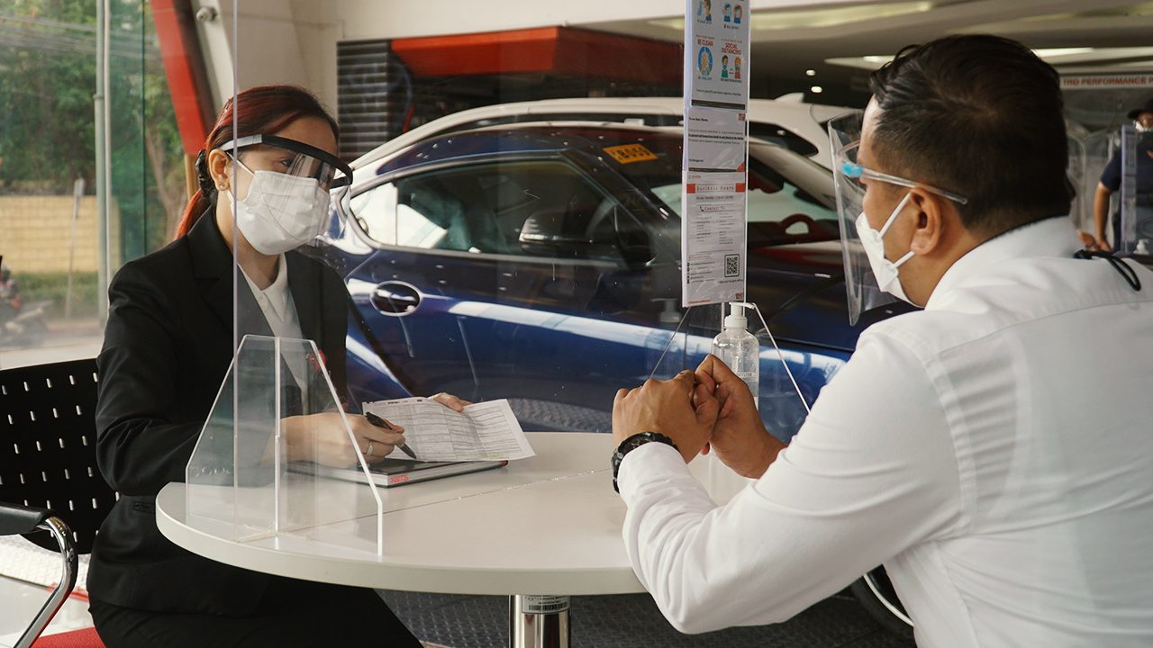 "Toyota dealerships remain ""at your service"" amid the pandemic"